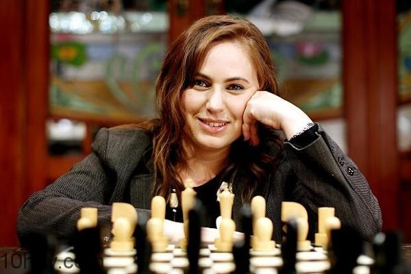 Judit Polgar (IQ 170)